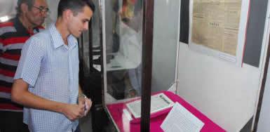 20091108033227-expo-homanaje.jpg