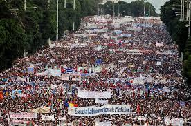 20150501161054-desfile-1ro.-de-mayo..jpeg