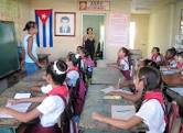 20160413223606-aula-de-escueka-cubana.jpeg